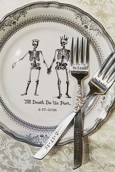 Customizable Skeleton Wedding Couple China Bride & Groom on Silver Dinnerware / Dishes / Plates, Bespoke Wedding, Skull Wedding Wedding Couples, Our Wedding, Dream Wedding, Wedding China, Wedding Stuff, Geek Wedding, Trendy Wedding, Zombie Wedding, Pirate Wedding