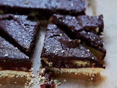 chocolate-pecan shortbread bars These buttery make-ahead bars feature tender shortbread with a not-too-sweet pecan-brownie filling. Beginner Baking Recipes, Baking Tips, Cookie Recipes, Dessert Recipes, Pastry Recipes, Brownie Recipes, Brownies, Shortbread Bars, Decadent Chocolate