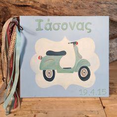 Δερματόδετο βιβλίο ευχών με ξύλινα εξώφυλλα σε γαλάζιο χρώμα με βέσπα στο εμπρός μέρος και διάφορες κορδέλες σε γαλάζιο, κόκκινο και μπεζ αποχρώσεις στο πλάι. Christening, Paper Shopping Bag, Bags, Decor, Handbags, Decoration, Decorating, Bag, Totes