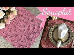 sσυsρℓατ qυα∂rα∂σ #edilenefitipaldi #sousplat - YouTube Crochet Placemats, Crochet Doilies, Crochet Flowers, Crochet Mat, Crochet Home, Crochet Flower Tutorial, Crochet Triangle, Crochet Kitchen, Crochet Videos