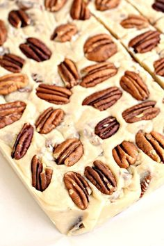 Butter Pecan Fudge Fudge Recipes, Candy Recipes, Sweet Recipes, Dessert Recipes, Pecan Recipes, Homemade Fudge, Homemade Candies, Homemade Marshmallows, Holiday Baking