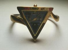 CTNY New York Design Quartz Japan Movement Golden Triangular Watch Cuff Bracelet $12.99