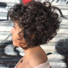Short-Bob-Haircut-for-Curly-Hair Popular Short Curly Hairstyles 2018 – 2019 - Curly Bob Hairstyles Bob Haircut Curly, Haircuts For Curly Hair, Short Bob Haircuts, Curly Hair Cuts, Wavy Hair, Short Hair Cuts, Easy Hairstyles, Curly Hair Styles, Hairstyles 2018