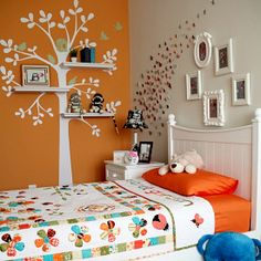 A simple and adorable way to decorate a pre-teen girl's bedroom.