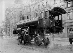 ドイツ; バイエルン、ミュンヘン、1901 - 輸送中の蒸気機関車JA Maffai号2153