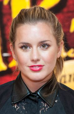 caggie dunlop dating harry styles Thom evans and caggie dunlop photos,  player-turned-model is reportedly dating caggie dunlop,  to rapper plan b as well as one direction star harry styles.