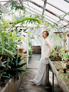 http://griggieri.com/2016/08/201687moody-greenhouse-styled-shoot/