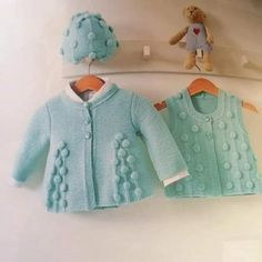 Discover thousands of images about Hirka Cardigan Bebe, Knitted Baby Cardigan, Knitted Baby Blankets, Baby Girl Patterns, Baby Knitting Patterns, Knitting Designs, Baby Vest, Knitting For Kids, Baby Sweaters