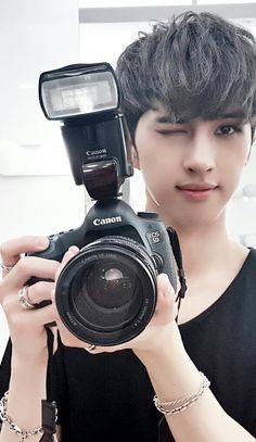 Vixx ~ Ken, say cheese