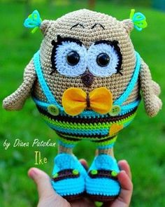 We turned the amigurumi owl pattern free of charge. You can visit our website for cute patterns from each other. Crochet Birds, Cute Crochet, Plastic Bag Crochet, Art Japonais, Owl Patterns, Knitted Animals, Cute Owl, How To Start Knitting, Crochet Patterns Amigurumi
