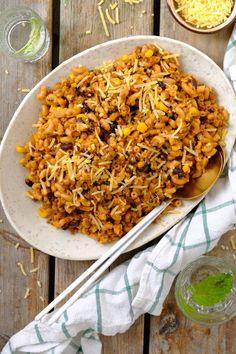 Eenpans taco pasta - Lekker eten met Linda Macaroni, Risotto, Tacos, Rice, Cooking, Ethnic Recipes, American Pie, Week 5, Food