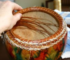 Vickie Henderson Art: Coiled Pine Needle Rim on Gourd -- Coiling Tutorial Decorative Gourds, Hand Painted Gourds, Pine Needle Crafts, Gourds Birdhouse, Pine Needle Baskets, Basket Crafts, Pine Needles, Gourd Art, Nature Crafts