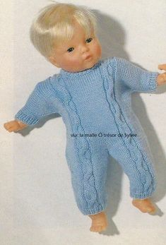 Combinaison poupon Knitting Dolls Clothes, Doll Clothes, Baby Born, Lana, Baby Dolls, Knitting Patterns, Dinosaur Stuffed Animal, Animals, Point
