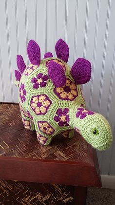 Mesmerizing Crochet an Amigurumi Rabbit Ideas. Lovely Crochet an Amigurumi Rabbit Ideas. Cute Crochet, Crochet Motif, Crochet Crafts, Crochet Flowers, Crochet Projects, Crochet Birds, Crochet Food, Crochet Granny, African Flower Crochet Animals