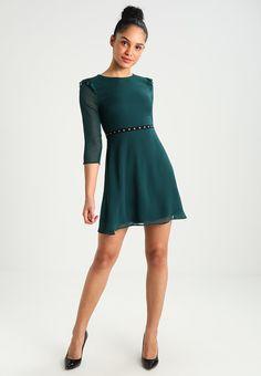 Vêtements New Look EYELET TRIM SKATER - Robe de soirée - dark green vert foncé: 24,95 € chez Zalando (au 04/02/18). Livraison et retours gratuits et service client gratuit au 0800 915 207.