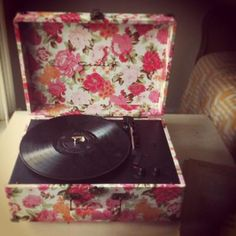 Superior Crosley Floral Mini Turntable. Want This So Badly U003c3 | ~ Wishlist ~ |  Pinterest | Sitting Rooms, Bed Room And Bedrooms