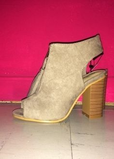 bddd0a59f31c0 141 meilleures images du tableau chaussure   Fashion shoes, Wide fit ...