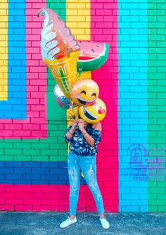Happy Face photo by Lidya Nada ( on Unsplash Perfect Image, Perfect Photo, Happy Pictures, Cool Pictures, Emoji Pictures, Happy Photos, Photo Ballon, Color Splash, Color Pop