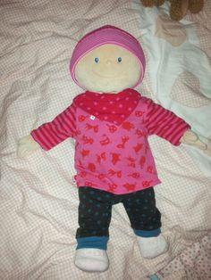 Puppenkleidung für Krümel... Schnittmuster von klimperklein und mamahoch2... genäht von Sarah D.