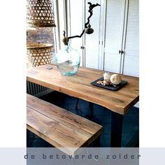 Eettafel Timber (oude balken met robuust stalen frame)