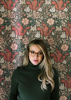 Hair Ideas For The Ladies.Creative ideas regarding great looking hair. An individual's hair is usually precisely what can easily define you as an individual. To numerous people it is usually vital to have a really good hair style. Hilary Duff Style, Hilary Duff Fashion, Casual Hairstyles, Cool Hairstyles, Style Hairstyle, Hillary Duff Hair, Hair Inspo, Hair Inspiration, Cute Beauty