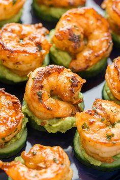 These shrimp appetizers have plump juicy cajun shrimp over creamy avocado on a crisp slice of cucumber. These shrimp cucumber bites are a delicious mouthful!   natashaskitchen.com Shrimp Appetizers, Healthy Appetizers, Appetizers For Party, Shrimp Recipes, Appetizer Recipes, Appetizers Superbowl, Cucumber Appetizers, Appetizer Ideas, Party Snacks