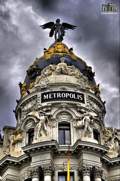 Edificio Metropolis de Madrid, espectacular!