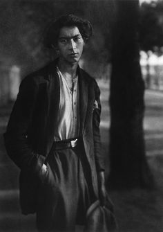 August Sander - The centralized composition which focused on the body language and the facial expression of the individual.