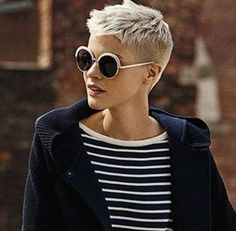 Very Short Pixie Cuts - Pixie Haircut Gallery Tips You Should Know Before Getting a Very Short Pixie Cuts with the help of Pixie Haircut Gallery 2019 and ideas about How to Maintain a Pixie Cut at Home? Super Short Hair, Short Grey Hair, Short Hair Cuts For Women, Short Cuts, Short Pixie Haircuts, Pixie Hairstyles, Cool Hairstyles, Corte Y Color, Short Styles
