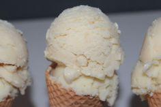 Vegan - tagein, tagaus : Cremoso Zitronenkuchen- und Apfelstrudel-Eis #alpro #cremoso #veganeseis