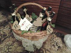 Čím starší víno je, tím lepší zdá se. Ať Vaše láska vzájemná vínu podobá se.