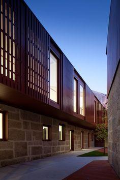 Postgraduate Advanced Training Centre / Pitagoras Arquitectos