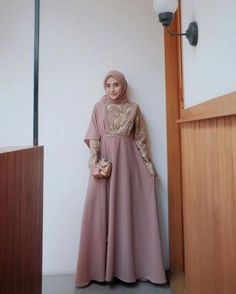 49 Ideas Dress Hijab Promnight For 2019 Hijab Gown, Hijab Dress Party, Hijab Style Dress, Dress Outfits, Kebaya Hijab, Kebaya Dress, Kebaya Muslim, Batik Fashion, Abaya Fashion
