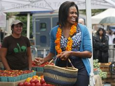 4 Things To Help Prevent Most Diseases - Michelle Obama Shopping At A Farmers Market For Fruits & Vegetables