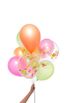 Our Party Balloon boxes feature the highest quality latex balloons and our custom confetti blends, both made in the USA and lovingly assembled in our Brooklyn studio. Jumbo Balloons, Clear Balloons, Colourful Balloons, Latex Balloons, Balloon Box, Balloon Bouquet, Balloon Ideas, Glitter Ballons, Glitter Paint