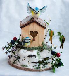 Birdhouse cake...