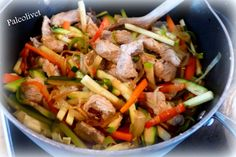 Nemt, sundt og masser af grøntsager. Kan laves low carb ved at vælge andre grøntsager end rodfrugter ;-)