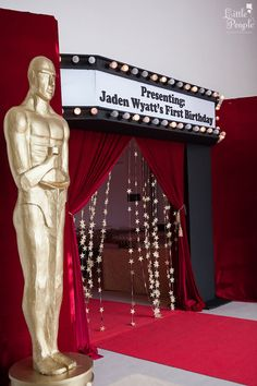 Entrance to a Hollywood + Oscars Inspired 1st Birthday Party via Kara's Party…