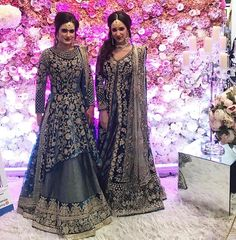 You need to start planning your wedding now. Pakistani Couture, Pakistani Wedding Dresses, Dress Indian Style, Indian Outfits, Indian Dresses, Hindus, Anarkali Bridal, Bollywood, Desi Clothes