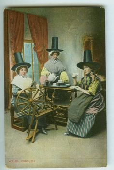 Welsh Costume Spinners - Vintage Post Card
