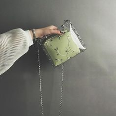 Clear Handbags, Purses And Handbags, Holographic Bag, Jelly Bag, Transparent Bag, Clear Bags, Green Bag, Vintage Bags, New Wave