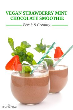 This thick and creamy strawberry chocolate mint smoothie is naturally vegan and made with juicy strawberries, cocoa, and fresh mint. Healthy Breakfast Options, Gluten Free Recipes For Breakfast, Good Healthy Recipes, Vegetarian Recipes, Free Breakfast, Healthy Desserts, Veggie Recipes, Easy Recipes, How To Make Smoothies