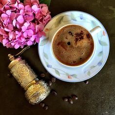 Смотрите это фото от @nodaywithoutcoffee на Instagram • Отметки «Нравится»: 177 International Coffee, Coffee Cookies, Chocolate Coffee, Coffee Maker, Tableware, Instagram Posts, Rezepte, Coffee Maker Machine, Coffee Biscuits
