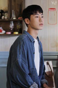 '검블유' 이재욱 댕댕이 들이셔야 해요, 아시겠어요? : 네이버 포스트 Korean Face, Korean Men, Drama Korea, Korean Drama, Asian Actors, Korean Actors, Rei Arthur, Joo Hyuk, Kdrama Actors