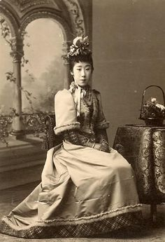 1890s Japanese lady in western clothing.  From the Mode Illustree livejournal group: http://lamodeillustree.livejournal.com/284646.html