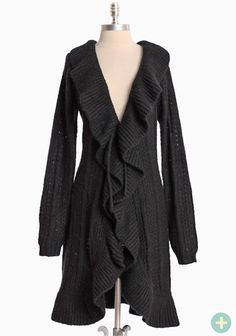 I can totally see me wearing this constantly (shadow illusion curvy plus cardigan) Curvy Fashion, Plus Size Fashion, Fashion Beauty, Girl Fashion, Fashion Looks, Stylish Plus Size Clothing, Plus Size Outfits, Curvy Dress, Curvy Plus Size