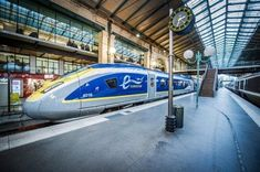 A short and comfortable train ride connects London with the city of love, Paris. Find out all you need to know to make this journey for yourself with the chunnel train. Locomotive, Rotterdam, Glasgow, Brighton, Diesel, Europe Train, High Speed Rail, Trains, Electric Train