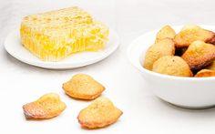 Mini-madeleines au miel // Honey tiny madeleines