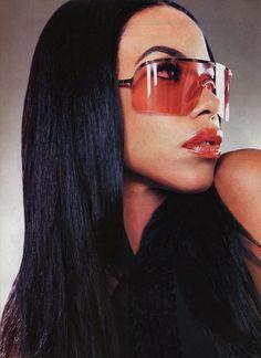 e67061616a Editorial   x Gucci Aaliyah x Gucci