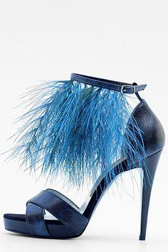Stunning Women Shoes, Shoes Addict, Beautiful High Heels    LaRare